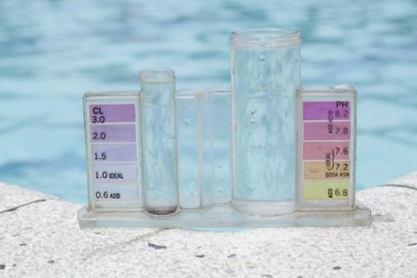 Analyse eau piscine Saintes